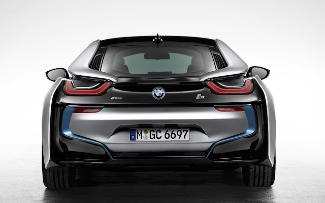 BMW i8 from behind