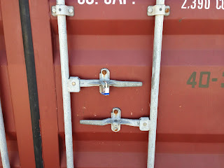 shipping container without lock box