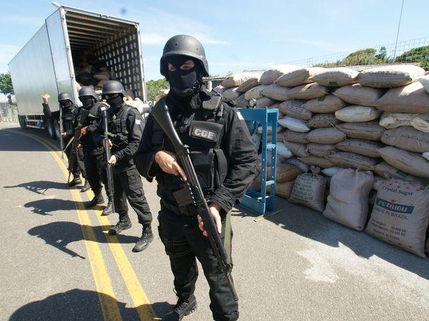 5798a313eee Polícia faz maior apreensão de maconha da história do Nordeste em Canarana  e Cafarnaum BA