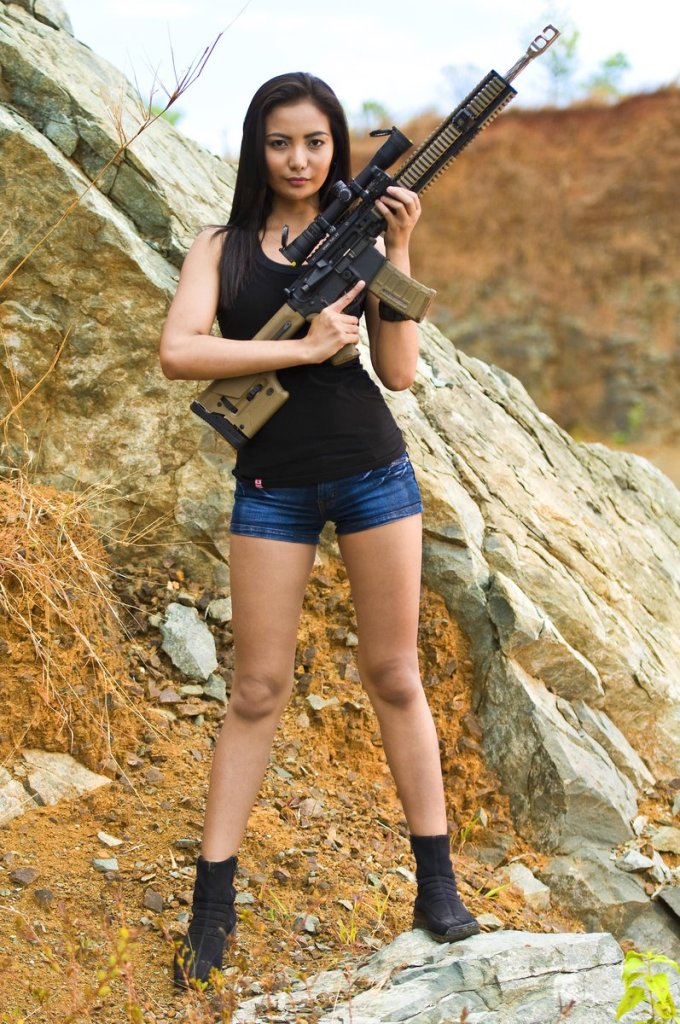 sexy asian lara croft cosplay 02