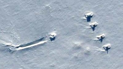 Extrañas vehículos encontrados en el sitio de aterrizaje de un OVNI en la Antártida