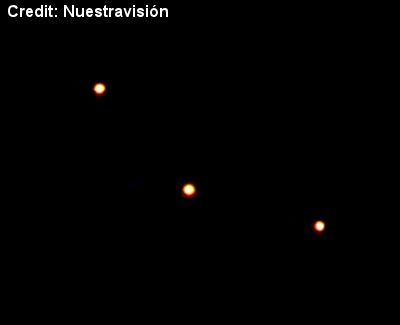 Mass UFO Sighting in Lázaro Cárdenas, Michoacán Mexico (2) 12-1-12