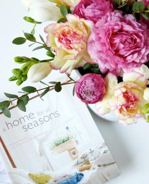 Cắm hoa trang trí phòng khách 27