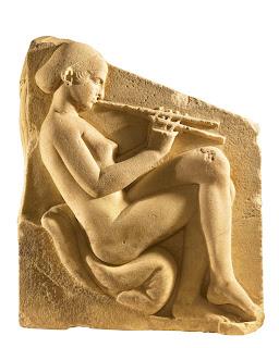 Las jóvenes atenienses de buena familia recibían una excelente educación literaria y musical. Esta pieza pertenece al trono Ludovisi, siglo V a.C.