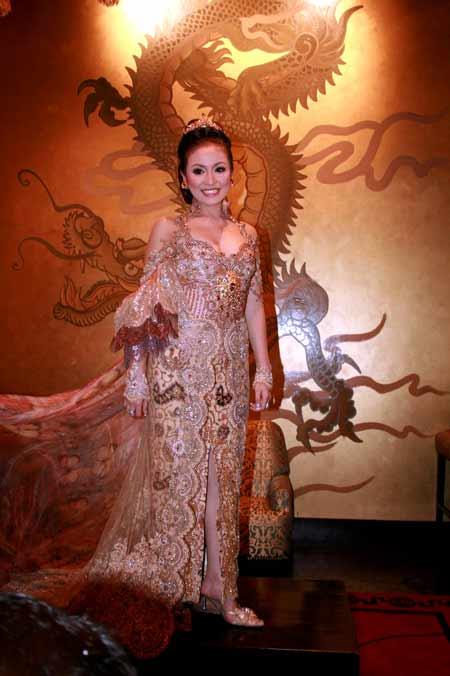 Kebaya Anne Avantie Pre Wedding Virnie Ismail