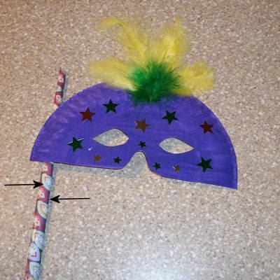 Máscaras de carnaval feitas com prato descartáveis! Máscara com pratinho!