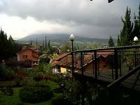 http://vilaistanabungavilage.blogspot.com/2015/11/lodging-comfortable-in-bandung.html