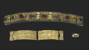 Ancient gold jewellery returns to Rhayader Museum