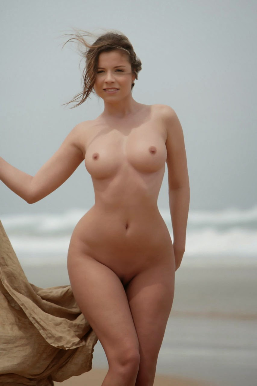 naked pics of beautiful women