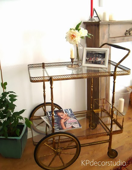 Camareras antiguas, estilo vintage, art decó, mesas auxiliares baratas de diseño.