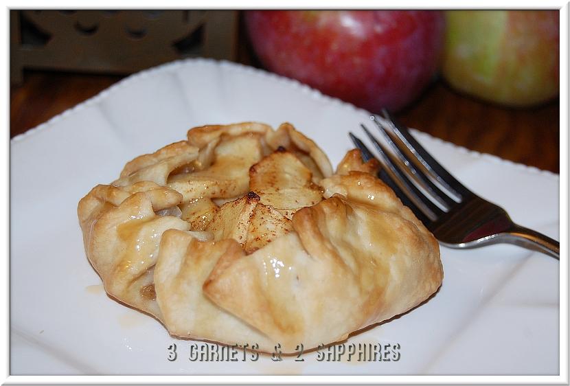 Garnets & 2 Sapphires: Super-Easy Mini Apple Pies (Crostatas)
