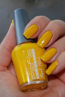 naglar, nagellack, nails, nail polish, paris memories, yellow, gult