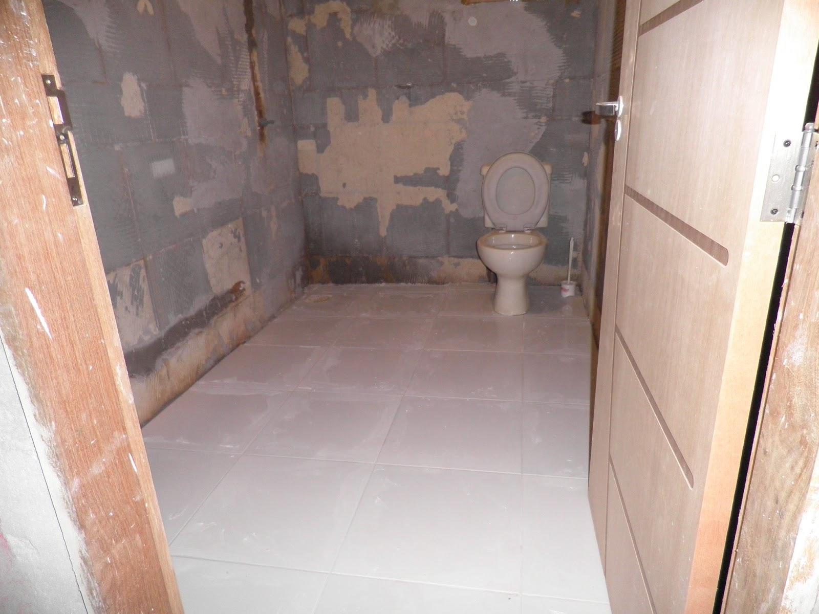REFORMANDO A DISTANCIA: Antes e Depois: O Banheiro #925A39 1600 1200