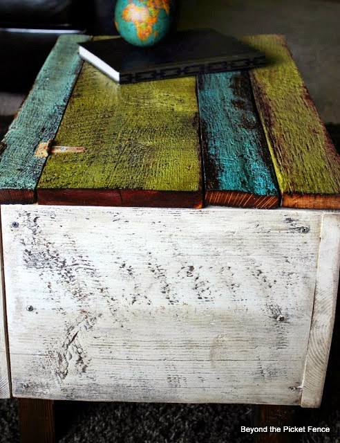 rustic, barn wood, trunk, coffee table, family room furniture, beyond the picket fence, reclaimed wood, trunk, furniture, barn wood, beyond the picket fence, http://bec4-beyondthepicketfence.blogspot.com/2013/05/blanket-chest-and-answers.html