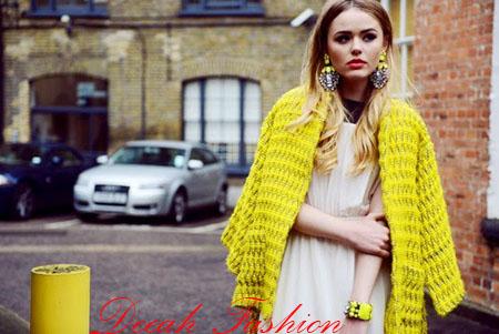Street style Fashion Bergaya di Jalanan