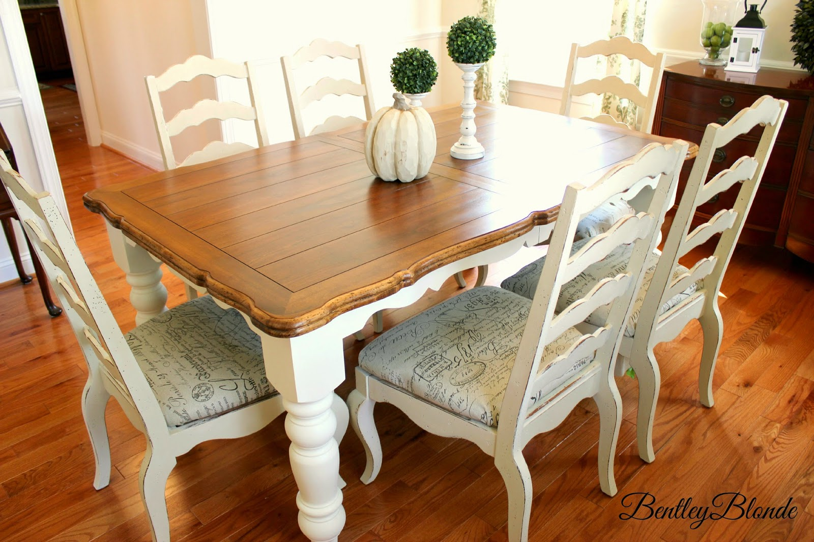 bentleyblonde diy farmhouse table dining set makeover with annie sloan chalk paint - Painting Dining Room