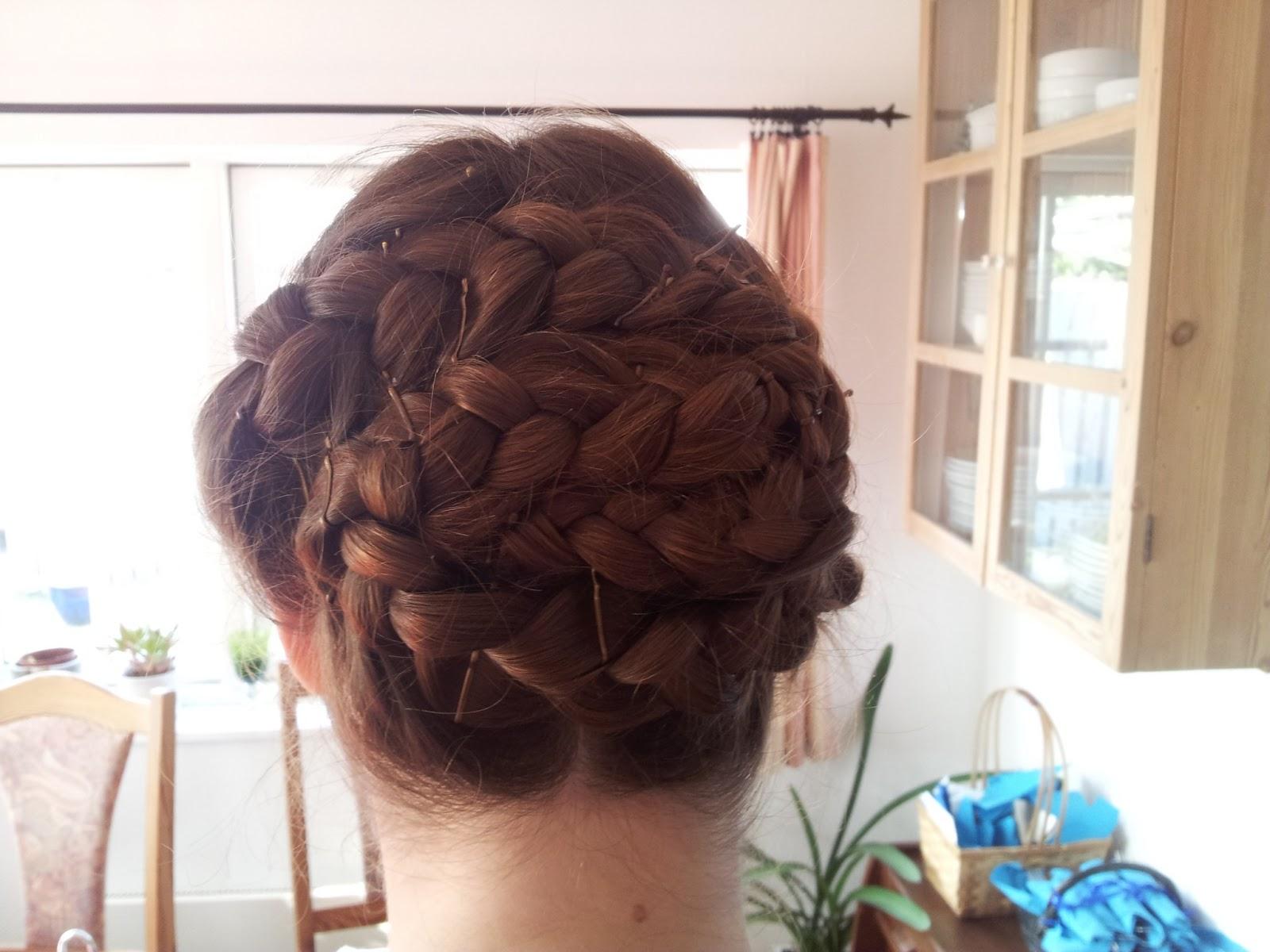 hår til bryllupsfest
