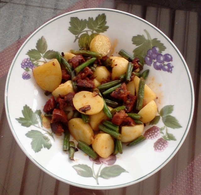 Chorizo and green bean salad