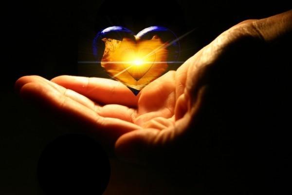 http://2.bp.blogspot.com/-r8J6ZaV85h4/Td8MeN2EsXI/AAAAAAAAAfw/rm5-4oQIRW0/s1600/showing_love.jpg