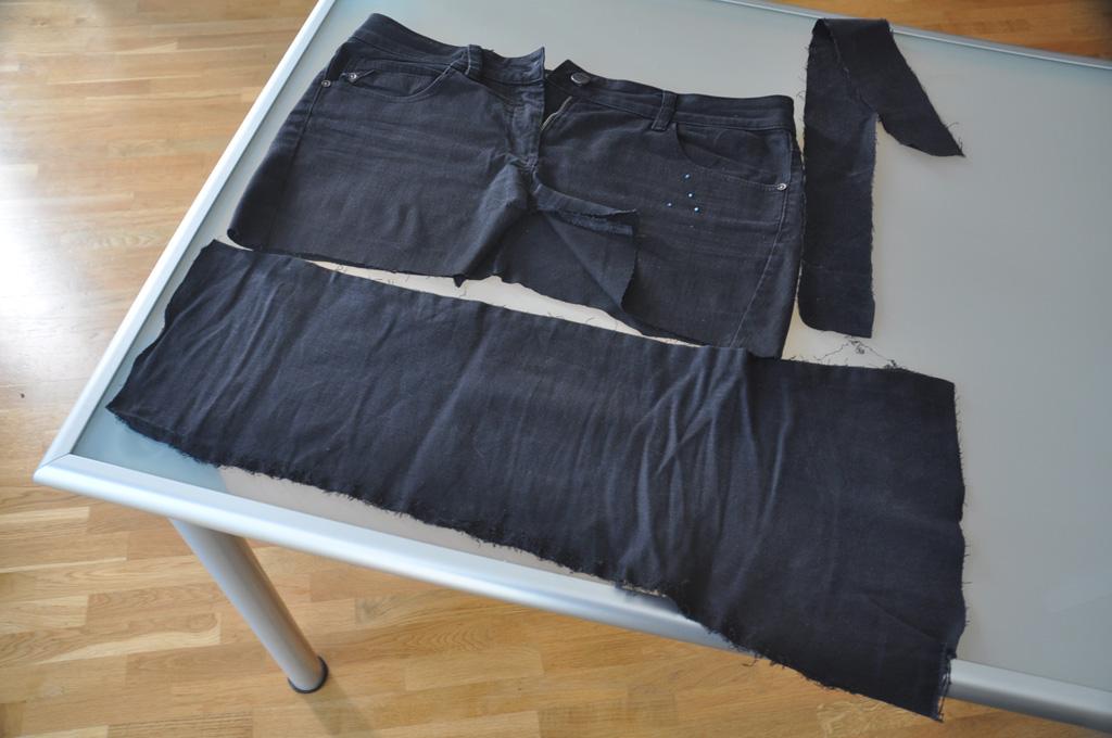 la maison des petits bonheurs o il est conseill de conserver les pantalons d chir s des. Black Bedroom Furniture Sets. Home Design Ideas