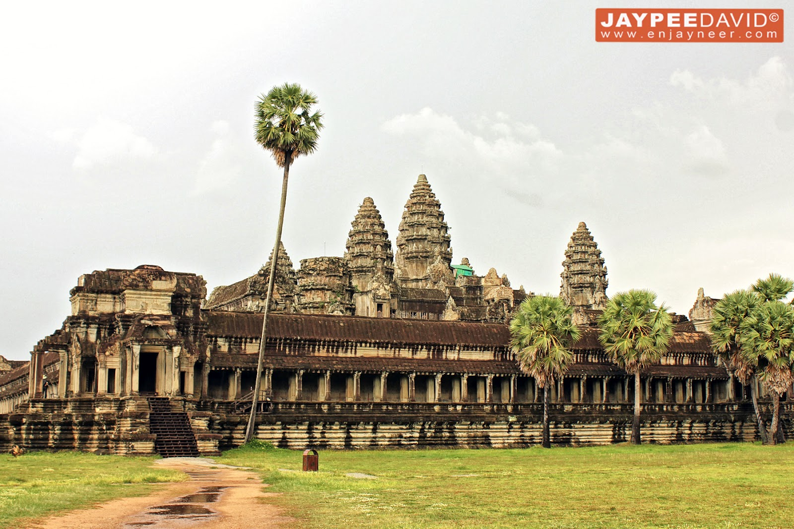 Temple of wonder angkor wat cambodia jaytography a for Wat architecture