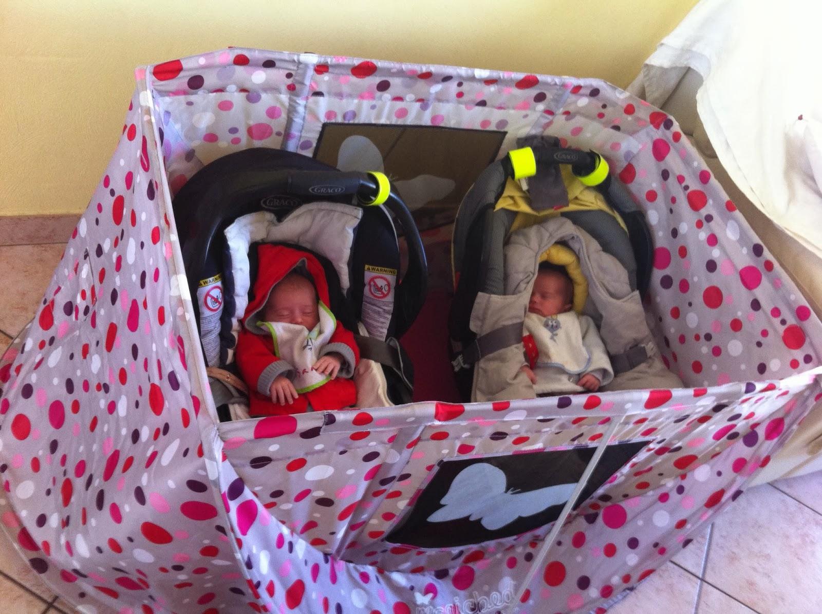Le bonheur d 39 avoir des jumeaux et un pirate magicbed lit parapluie r volutionnaire - Lit parapluie pour jumeaux ...