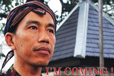 Jokowi dengan Blankonnya menuju DKI Jakarta