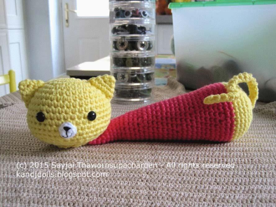 Free Amigurumi Cat : 2000 free amigurumi patterns: yellow cat wrist rest a free