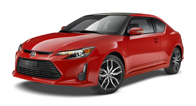 Front 3/4 view of 2014 Scion tC