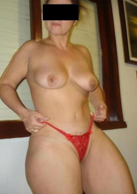 Bunda Linda E Grande Peitoes Pernas Super Grossas Uma Buceta