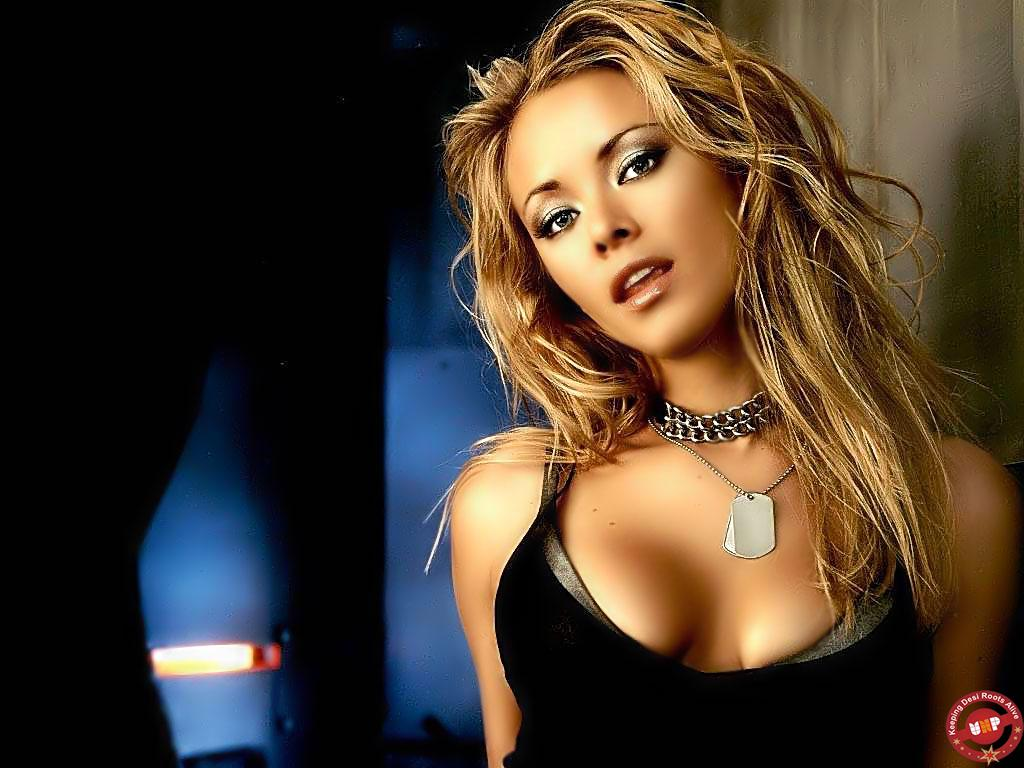 http://2.bp.blogspot.com/-r8z_4hvn5iY/T7UKRRe5lsI/AAAAAAAAAs8/sUvnRCtVd6E/s1600/Shakira+Wallpapers+For+Windows+7+01.jpg