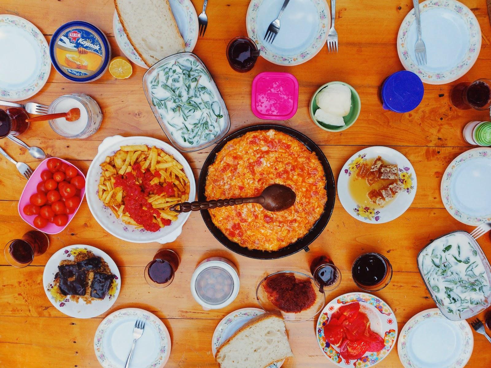geleneksel kahvaltı, serpme kahvaltı