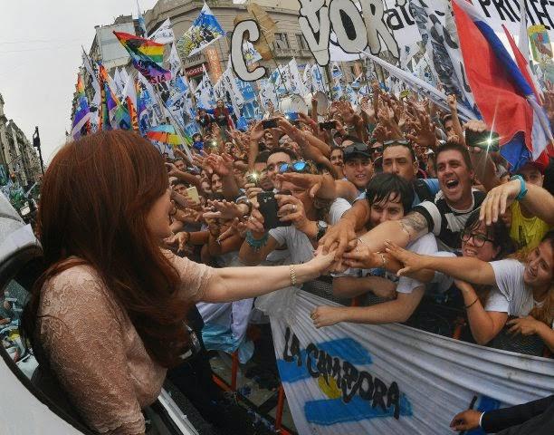 http://www.casarosada.gov.ar/images/phocagallery/thumbs/phoca_thumb_l_010315_1493.jpg