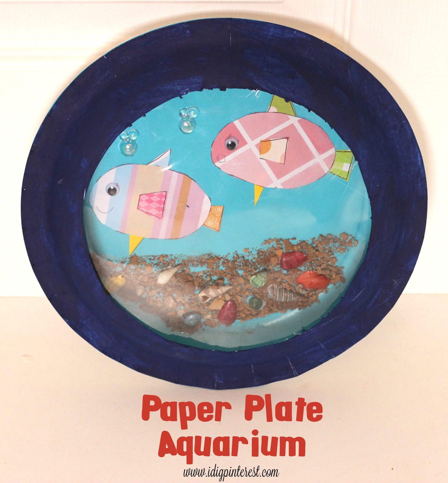 Crafting with Kids: Paper Plate Aquarium - I Dig Pinterest