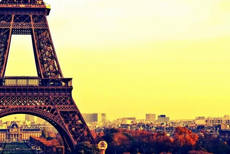 Menara Eiffel - 7 Cara Seru Untuk Dapatkan Liburan Murah