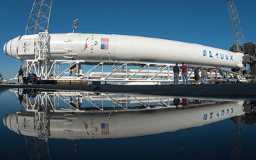 spacex falcon 9,nasa spacecrafts,falcon 9,rocket launchers,nasa,rocket launch,space mission,space x rocket,dragon,image,picture,photos