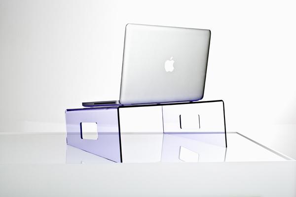 Esclusivo in plexiglass - Tavolino da letto per pc ...
