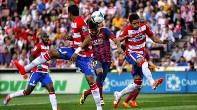 غرناطة يفوز على برشلونة مضاعفا خسائره