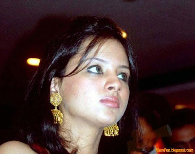 sakshi_rawat_looking_sweet_FilmyFun.blogspot.com