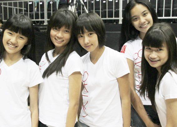 Foto JKT48 Konser Pertama Global TV 100% Ampuh