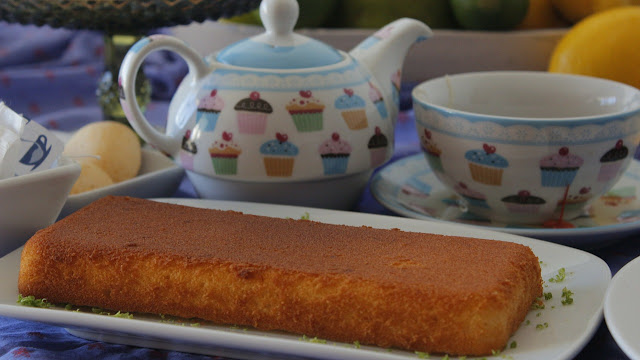 gâteau maison à la rhubarbe et noix de coco (sans gluten, végétarien)