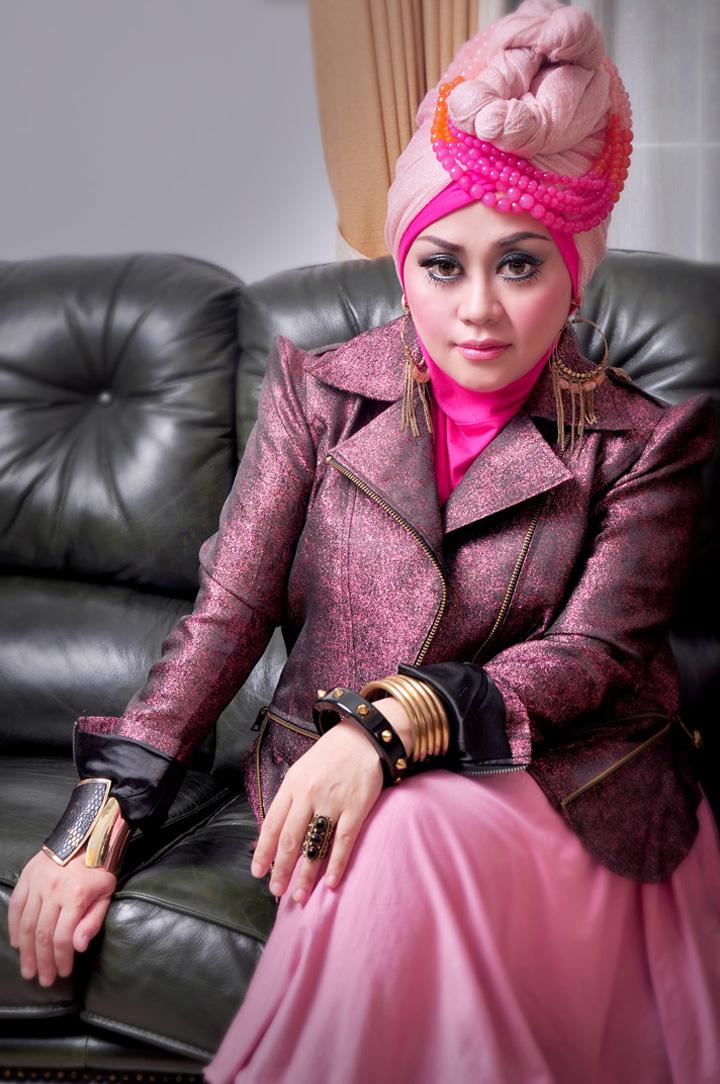 Tandilan Hijab Modis Untuk Tubuh Berisi