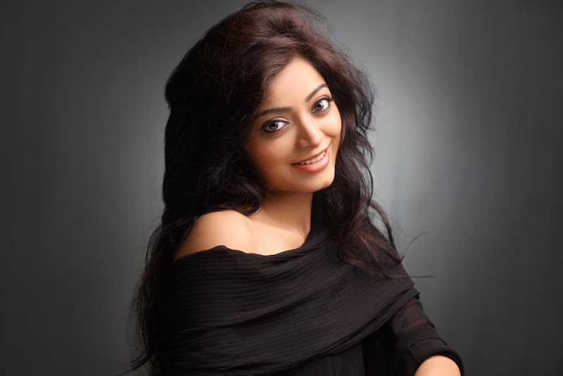 Actress Janani Iyer Hot Photo Gallery hot images