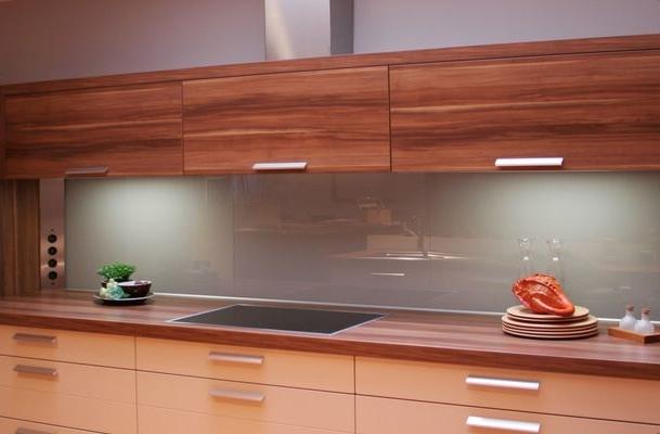 Keuken Hoogglans Wit Schoonmaken : Muurtegels Keuken Hubo : spatscherm van glas in de keuken exclusieve