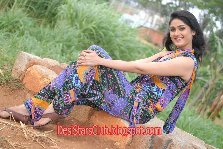 Biyanka Desai Biography and Photos