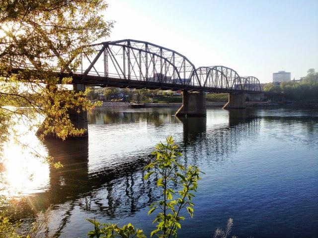 Victoria Bridge Saskatoon Saskatchewan River