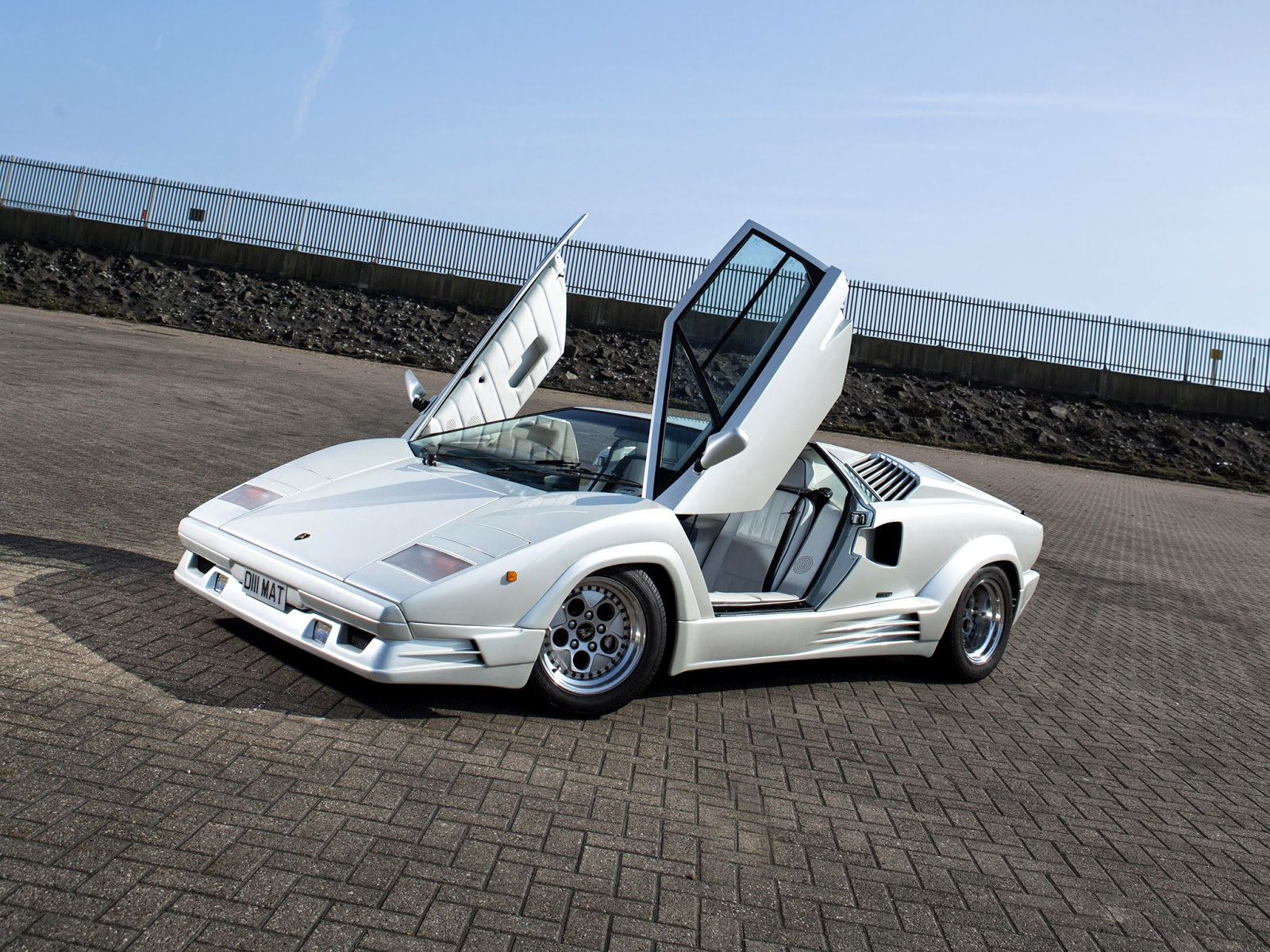 fab wheels digest f w d 1988 lamborghini countach 25th anniversary. Black Bedroom Furniture Sets. Home Design Ideas