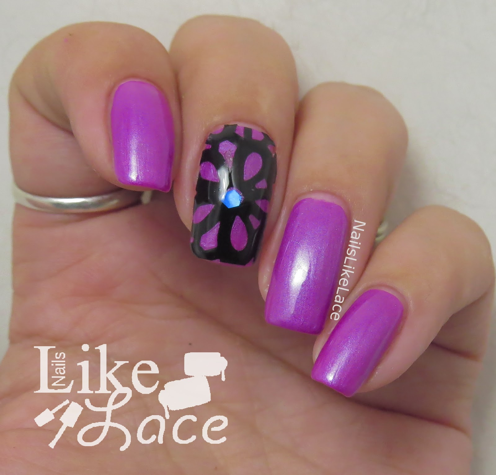 NailsLikeLace: $2 Manicure: Floral Tape on Purple