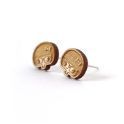 http://www.lesfollesmarquises.com/product/clous-d-oreilles-esther