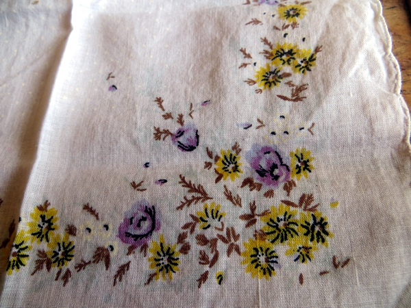10 elegant ways to blow your nose a vintage handkerchief for its intended purpose so im always looking for craft ideas this pinterest link from bumblebee linens offers quite a few junglespirit Images